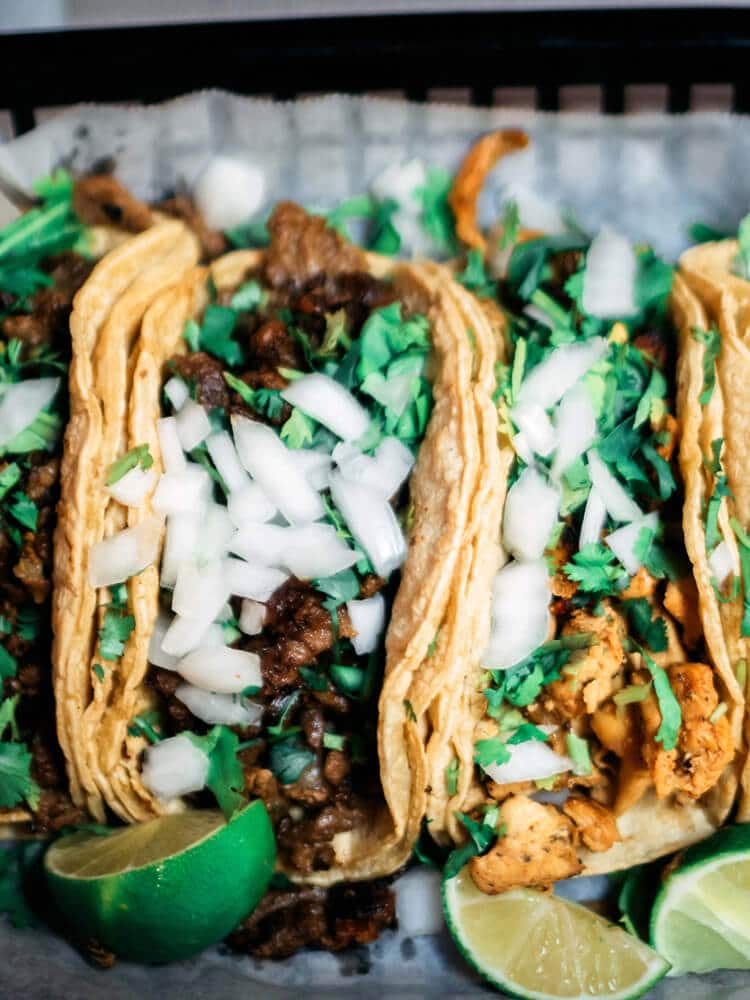 Taco falafel with lime and garlic