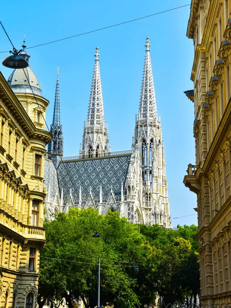 Day view of church in center of Vienna