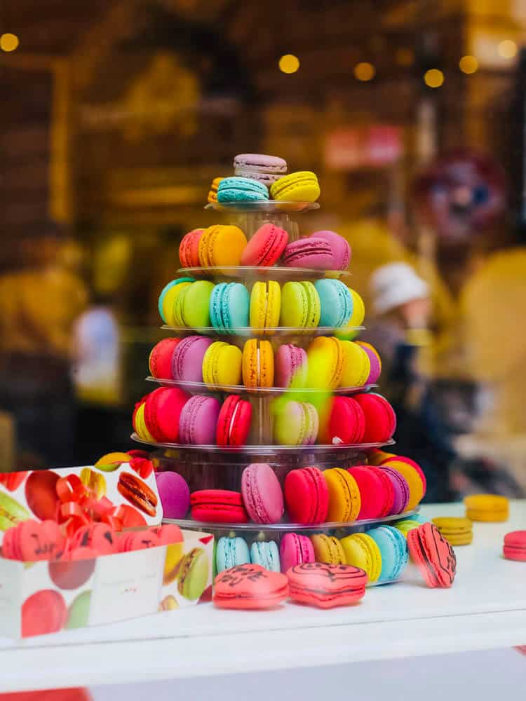 Decorated macarons in Rome