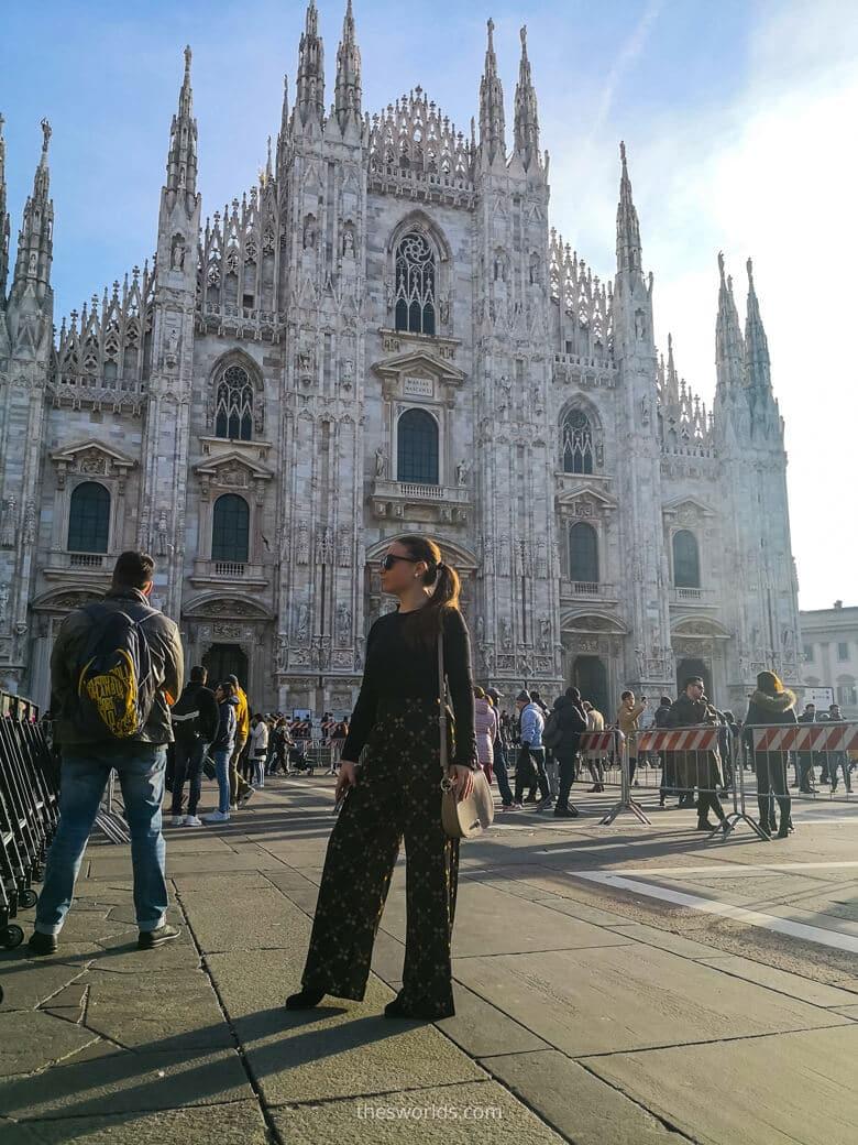 Girl standing in front of Duomo di Milan