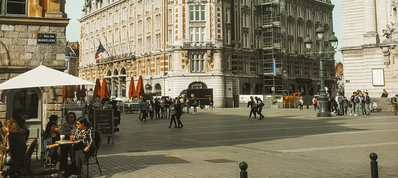 Buildings with people in Lille