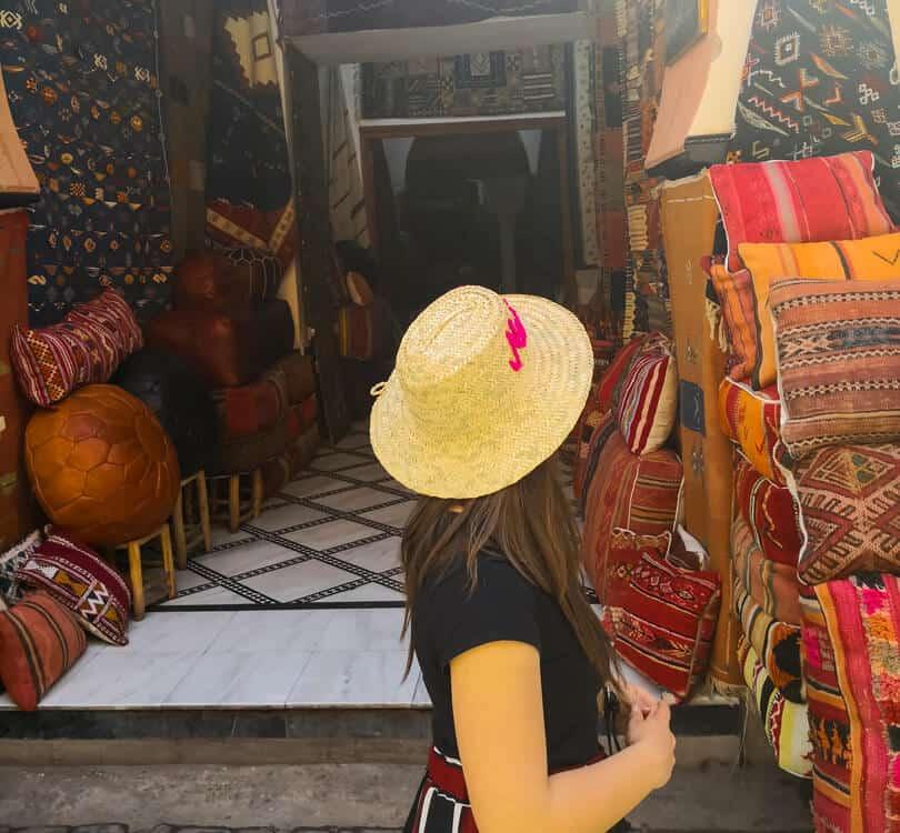 Girl shopping in marrakech
