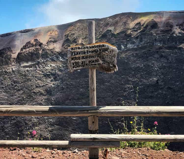 Sign at Mount Vesuvius
