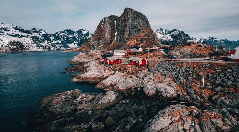 Red houses at end of Cliff