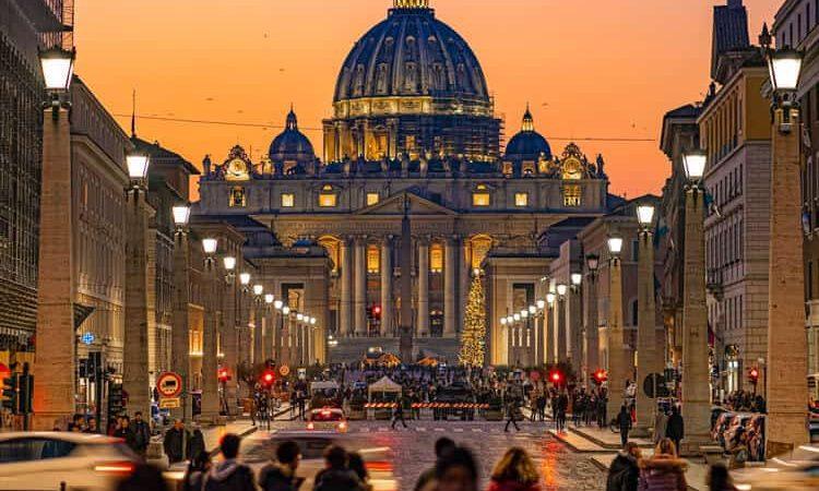 People walking to Vatican City